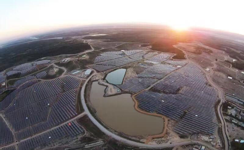 泰國EA大型地面電站太陽能發電項目