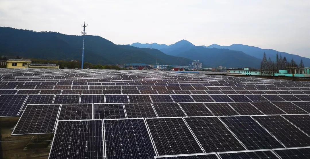 杭州富春江畔春江輕紡集團廠房屋頂建設太陽能電站
